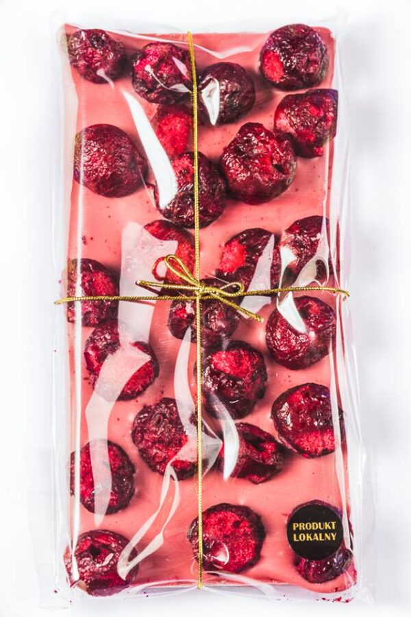 czekolada-rubinowa-recznie-robiona-wisnia